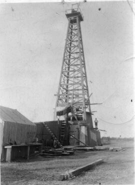 Wood Oil Drilling Derrick